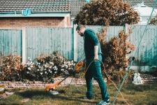 Grasmaaien en bollen planten favoriete tuinklussen